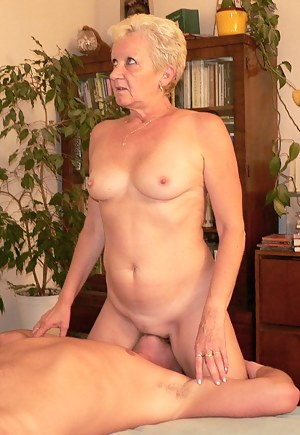Best Mature Facesitting Porn Pictures
