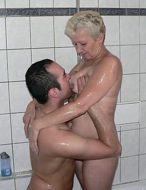 Best Wet Mature Porn Pictures