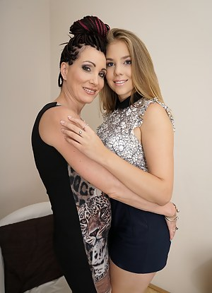 Best Mature Lesbian Humping Porn Pictures