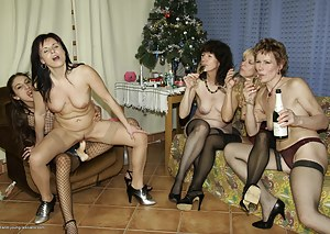 Best Mature Party Porn Pictures