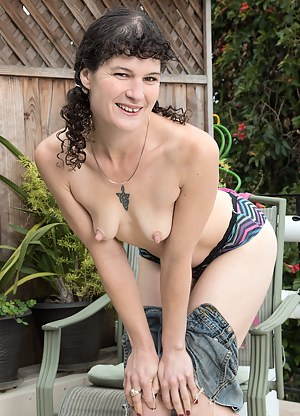 Best Mature Nipples Porn Pictures