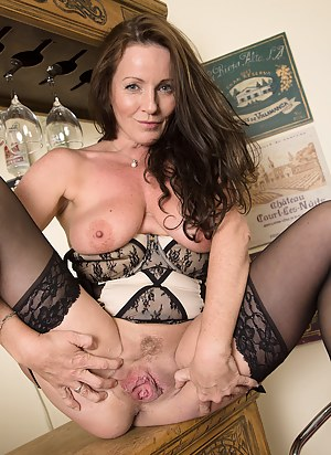 Best Mature Spread Pussy Porn Pictures
